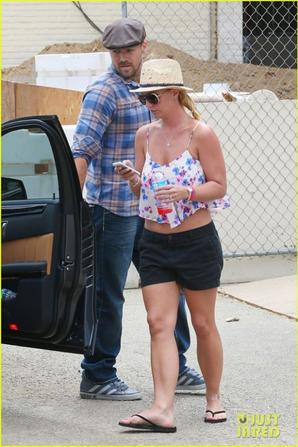 27.07 - Britney Spears se rend chez le medecin, Los Angeles