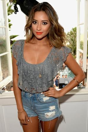 03.08 - Shay Mitchell @ Lucy Hale Performance