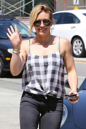 05.08 - Hilary Duff dans Beverly Hills