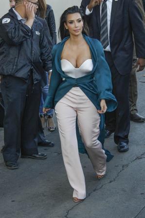 06.08 - Kim Kardashian au Jimmy Fallon Show