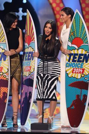 10.08 - Les soeurs Kardashian-Jenner @ Teen Choice Awards