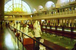 ROUBAIX : QUAND UNE PISCINE DEVIENT MUSEE La Piscine, ou musée d'art et d'industrie André-Diligent, est un musée de Roubaix qui présente des collections composites d'arts appliqués et de beaux-arts constituées à partir du XIXᵉ siècle comprenant des tissus, des pièces d'arts décoratifs, des sculptures, des peintures et dessins.