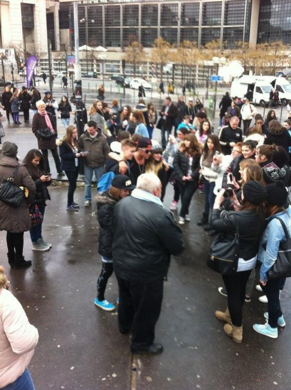 EXCLU - Incident au concert de Justin Bieber avec son sosie - La police intervient