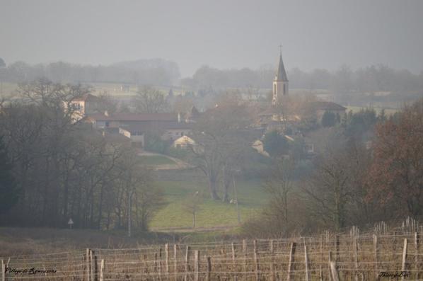 Quand je vois mon village dans la brume