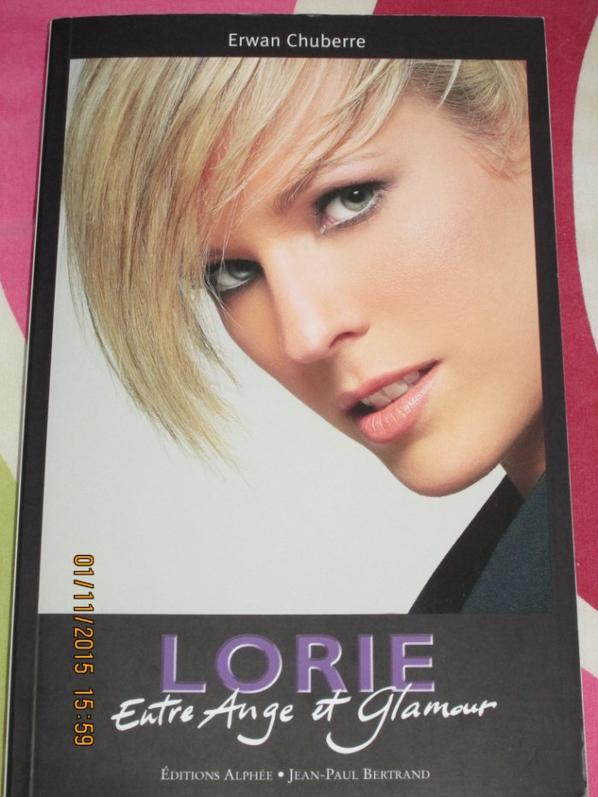 single +livre Lorie entre ange et glamour