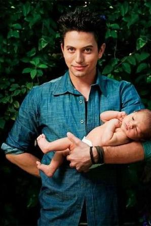 jackson rathbone avec son bebe