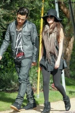 Le 9/03, Selena a été vue à L.A avec un ami.
