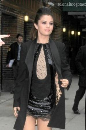 Le 18/03, Selena à The Late Show, à NYC.
