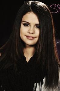 Selena est prête pour les MTV Music Awards !