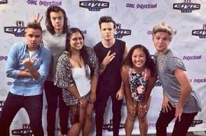 Les garçons avec des fans en backstage   (12-07-2015)