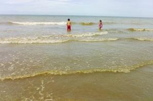 plage en famille belles journée je vous aime papa