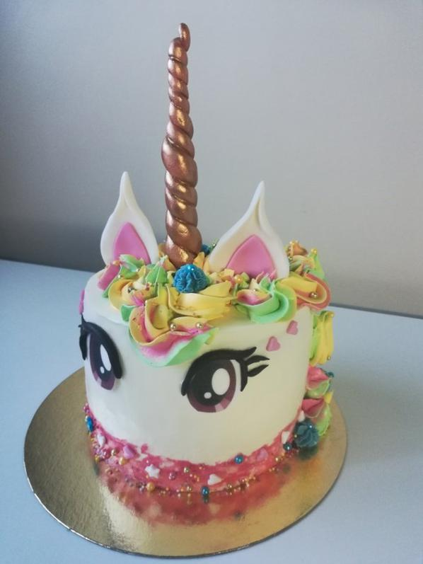 GATEAU LICORNE UNICORN CAKE