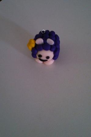 Stitch et un petit mouton violet