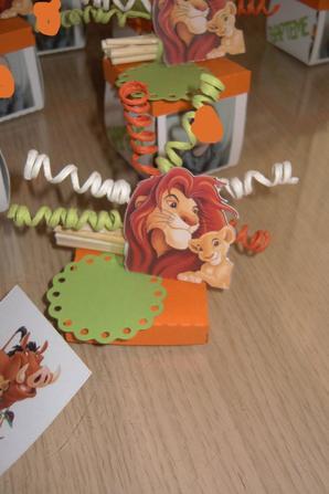 explosion roi lion
