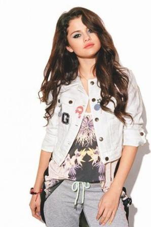Selena pour la une du Magazine Nylon! :)