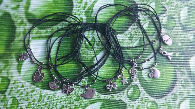 Bracelets simples noeuds coulissants