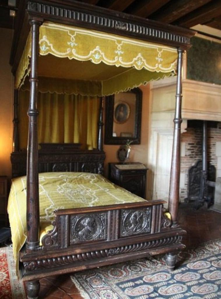 le lits  balbaquins
