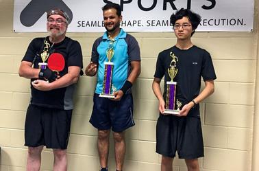 J'ai gagné la troisième place dans ma division lors d'un tournoi de tennis de table à Aurora, illinois samedi. Et j'ai travaillé très fort pour cette finition. Le bracket était très compétitif.