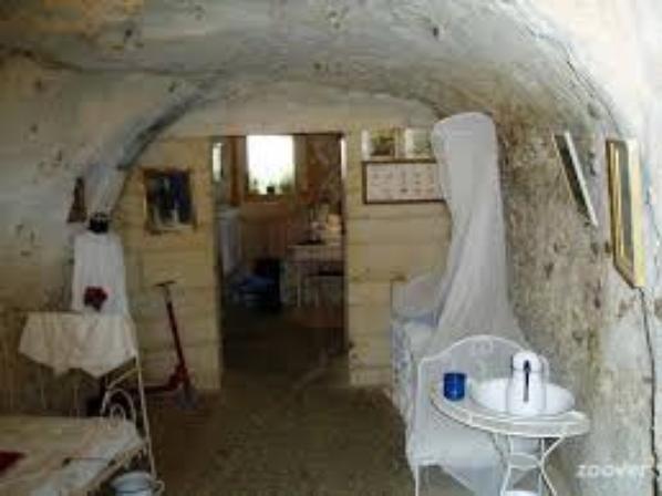 les caves en rocher sont habitées