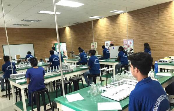 Medical Students Laboratory Exams - Washington University of Barbados
