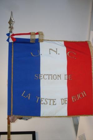 Drapeau de l'Union Nationale des Combattants de la Teste de buch