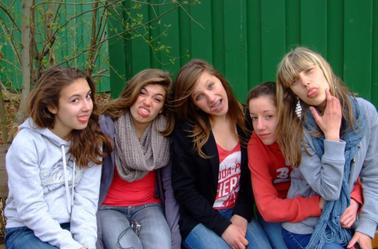 CHAPITRE 5 : Les amis c'est comme les pierres,certains sont plus précieux que d'autres. ♪♥ [Sexion d'Assaut.]