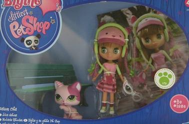 Moi aussi j'ai des poupées à grosse tête !    X)