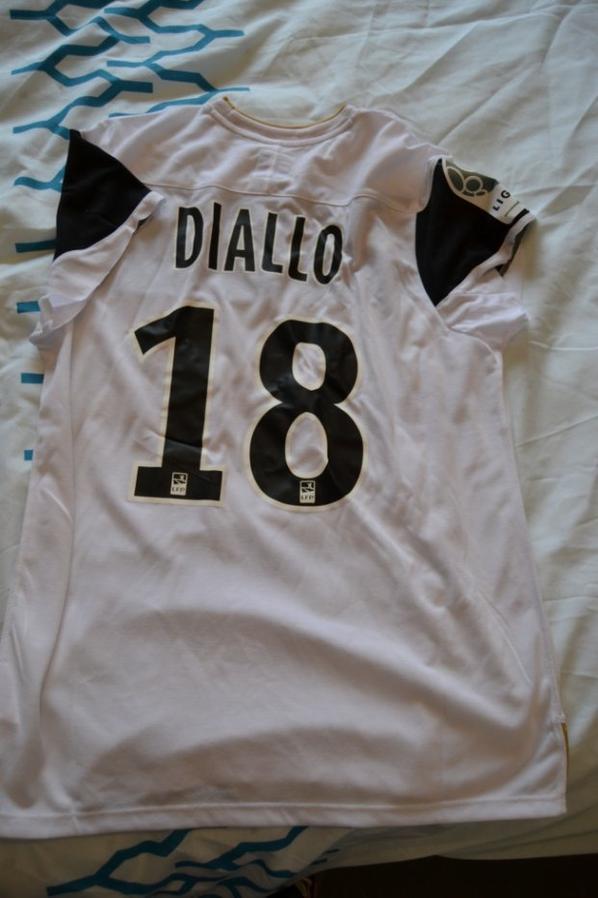 Maillot récupérer après le match SCO - SM CAEN... Merci mr DIALLO pour le maillot manches coupées...
