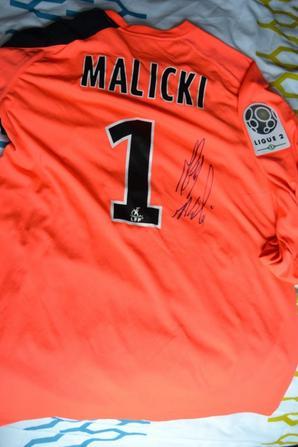 Maillot porté par Grégory MALICKI contre Arles Avignon... signé