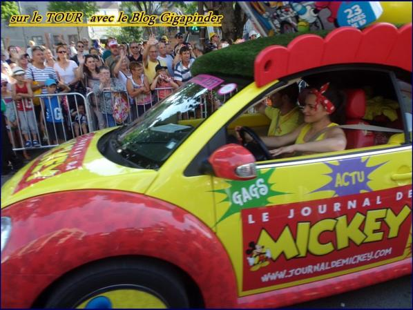 SUR LE TOUR  A TROYES ...MICKEY