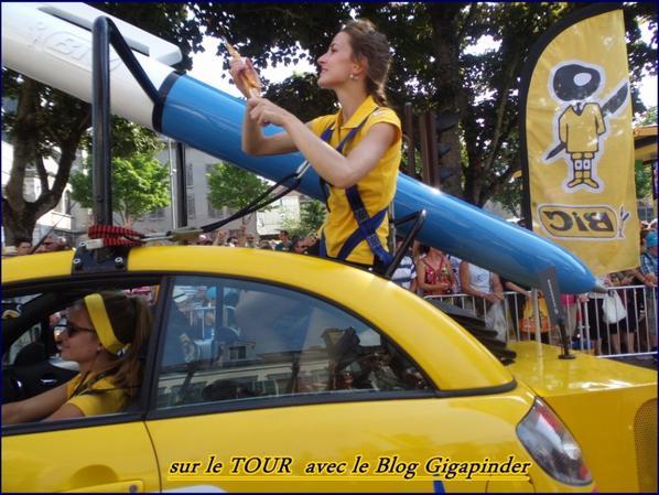 SUR LE TOUR  A TROYES .....BIC