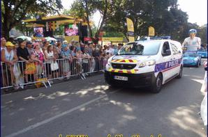 SUR LE TOUR  A TROYES ...POMPIERS-POLICE