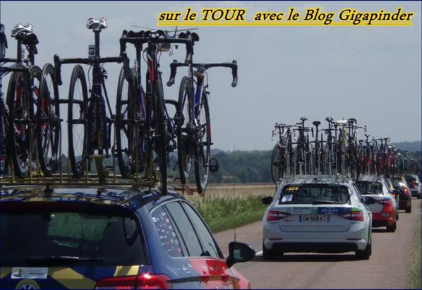 SUR LE TOUR  A TROYES ...FIN DE PELOTON