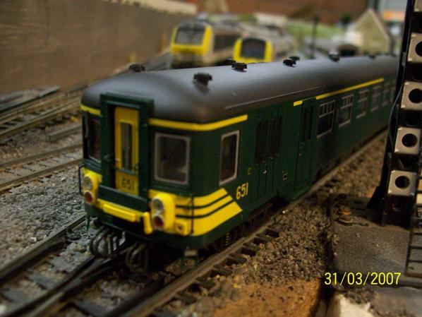 voici mon nouveau petit bijoux : une magnifique automotrice AM 651 en livrée verte de chez Jocadis
