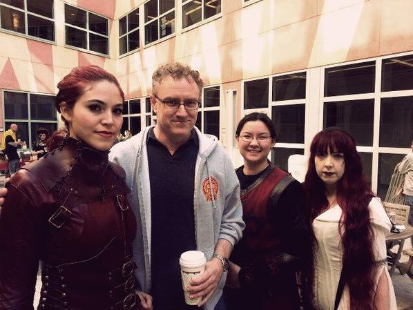 Serie ♥ Perception  Des Mord Sith, des Inquisitrices et des soldats de Dhara se sont incrustés dans une scène de la série Perception, dans laquelle Bridget à déjà joué les Guest.