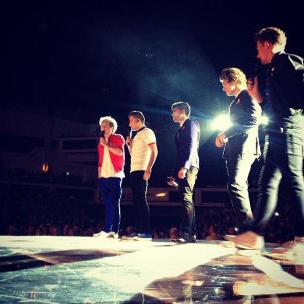 One Direction : Take Me Home Tour, les premières photos du concert à Cardiff !