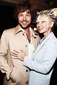 Sia est mariée à Erik Anders Lang depuis le 2 août 2014 ♥