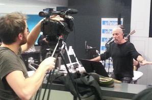 Bernard Lavilliers en live au coeur de la rédaction du Parisien ce midi 21 nov  pour deux titres acoustiques
