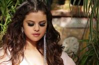 """Des photos de la vidéo de Selena sur la chanson """"Come and get it' !"""