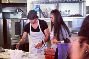 Le 25/11/2012 Ian et Nina ont préparé des pizzas pour leurs fans
