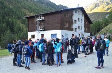 carolanne a Grimentz depuis jeudi (suisse)