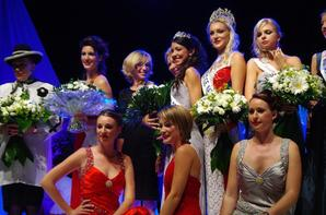 22.09.12 → Christelle était à l'élection de Miss Pays de l'Ain à Bourg-en-Bresse, la nouvelle miss est Lauréline Foucrier.