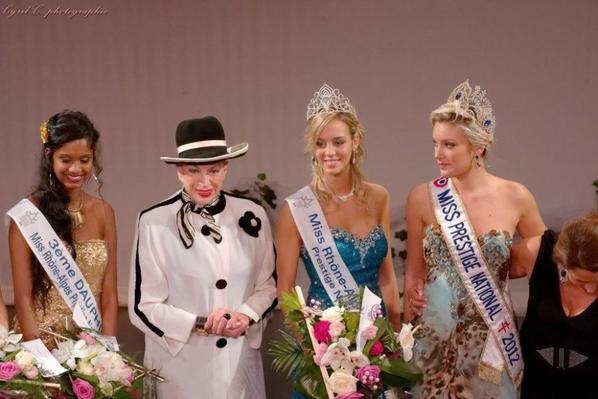 21.10.12 → Christelle était à l'élection de Miss Rhône-Alpes 2012, Agathe Martinez.