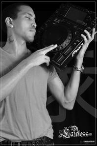 BOOK PRO DE DJ LAWLESS (sama) suite