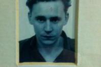tom hiddleston plus jeune