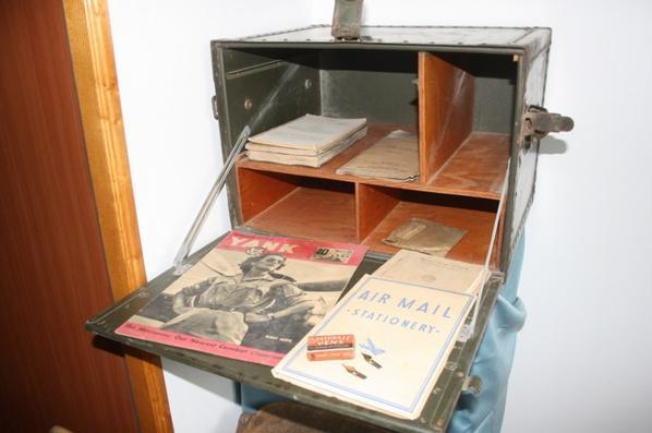 bureau de campagne et chaise pliante us mat riels militaire 1418 3945. Black Bedroom Furniture Sets. Home Design Ideas