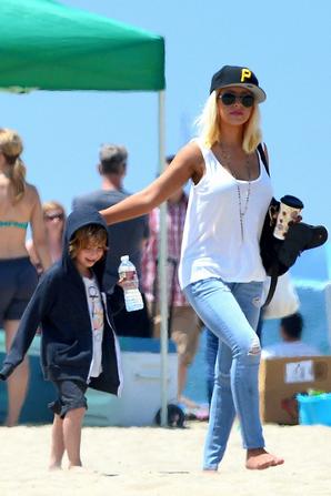 Christina , Jordan & Max : Retrouvailles sur la plage.