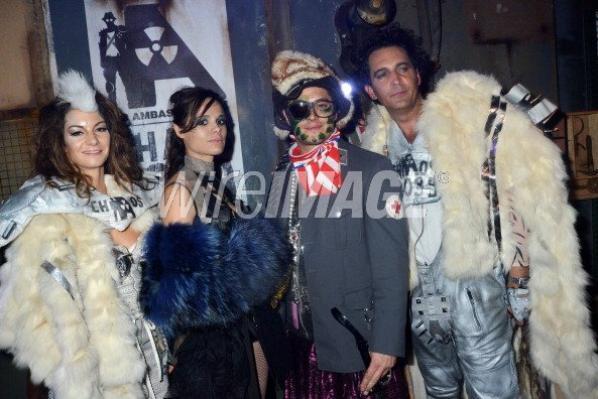 2012 Oct 23 -  Samedi 20 Nov. Melissa Mars s'est rendu au 'Chaos 2099' Apocalypse Costume Ball à La Courneuve