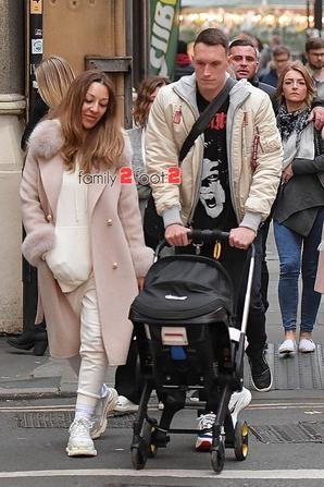 Phil Jones & Kaya & leur fille Aliana