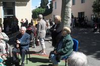 sortie des residents de la maison de retraite Korian le Bastion  à la Maternelle Liberté de Carcassonne